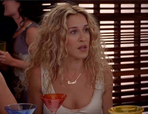 Carrie Bradshaw wearing her carrie necklace