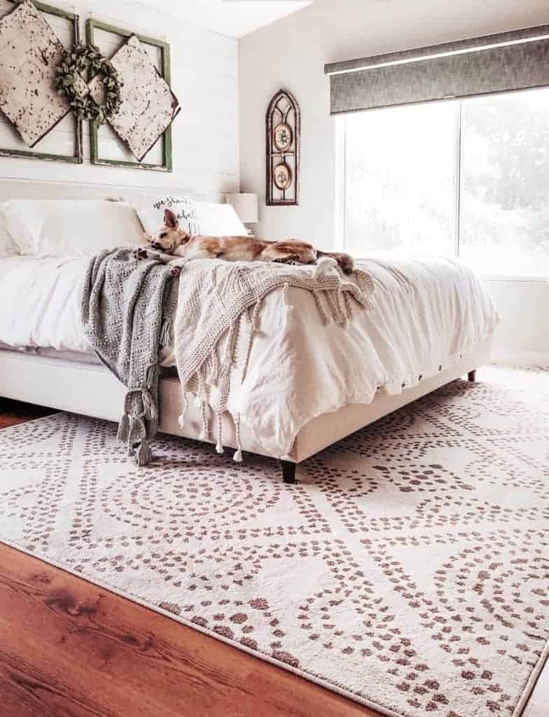 Orian Rug Camille Seashell rug in vintage farmhouse master bedroom