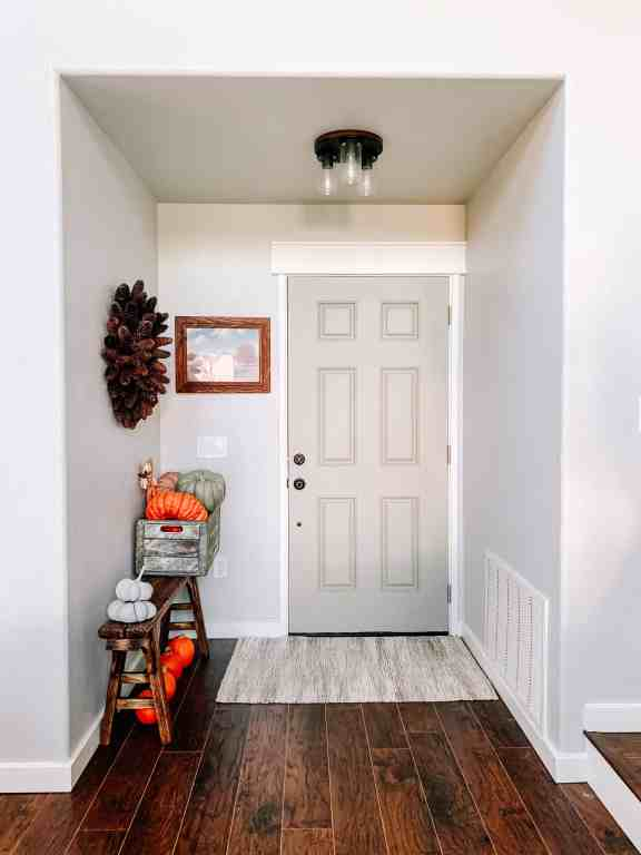 farmhouse entryway makeover