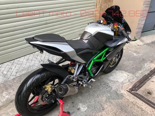 kawasaki ninja H2R body kit on pulsar RS 200