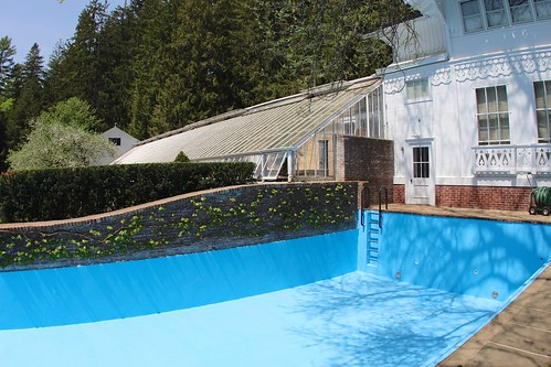 Drained swimming pool
