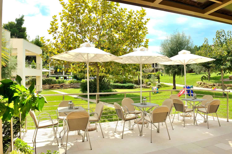 Polyastron Outdoors Breakfast Area