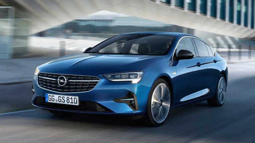 Opel Insignia: Alquiler de coches Alta Gama