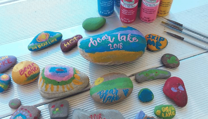 summer pated rocks