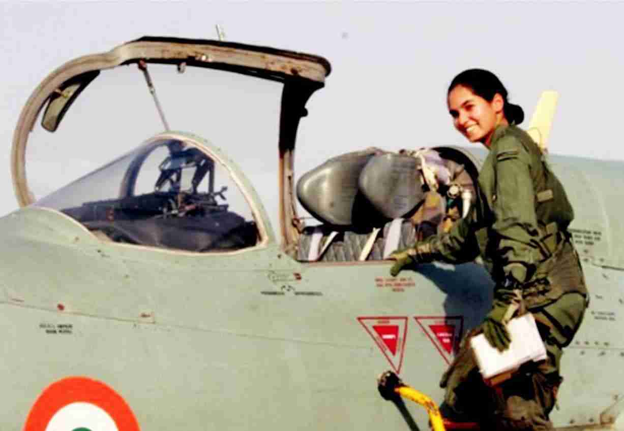 FIRST WOMAN TO FLY A JET SOLO