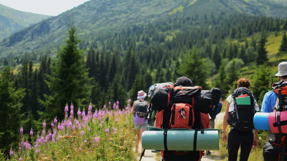 What To Wear Hiking In Hot Weather