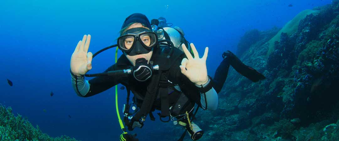 Divemaster course Phuket with Super Divers