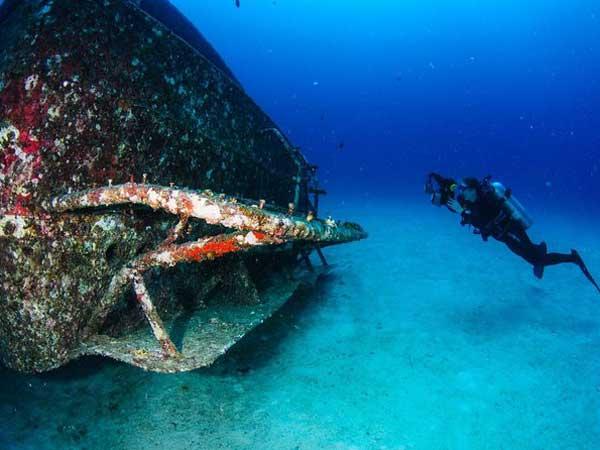 Phuket scuba diving day trips