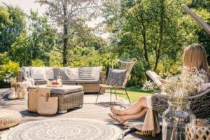 backyard patio set with rug