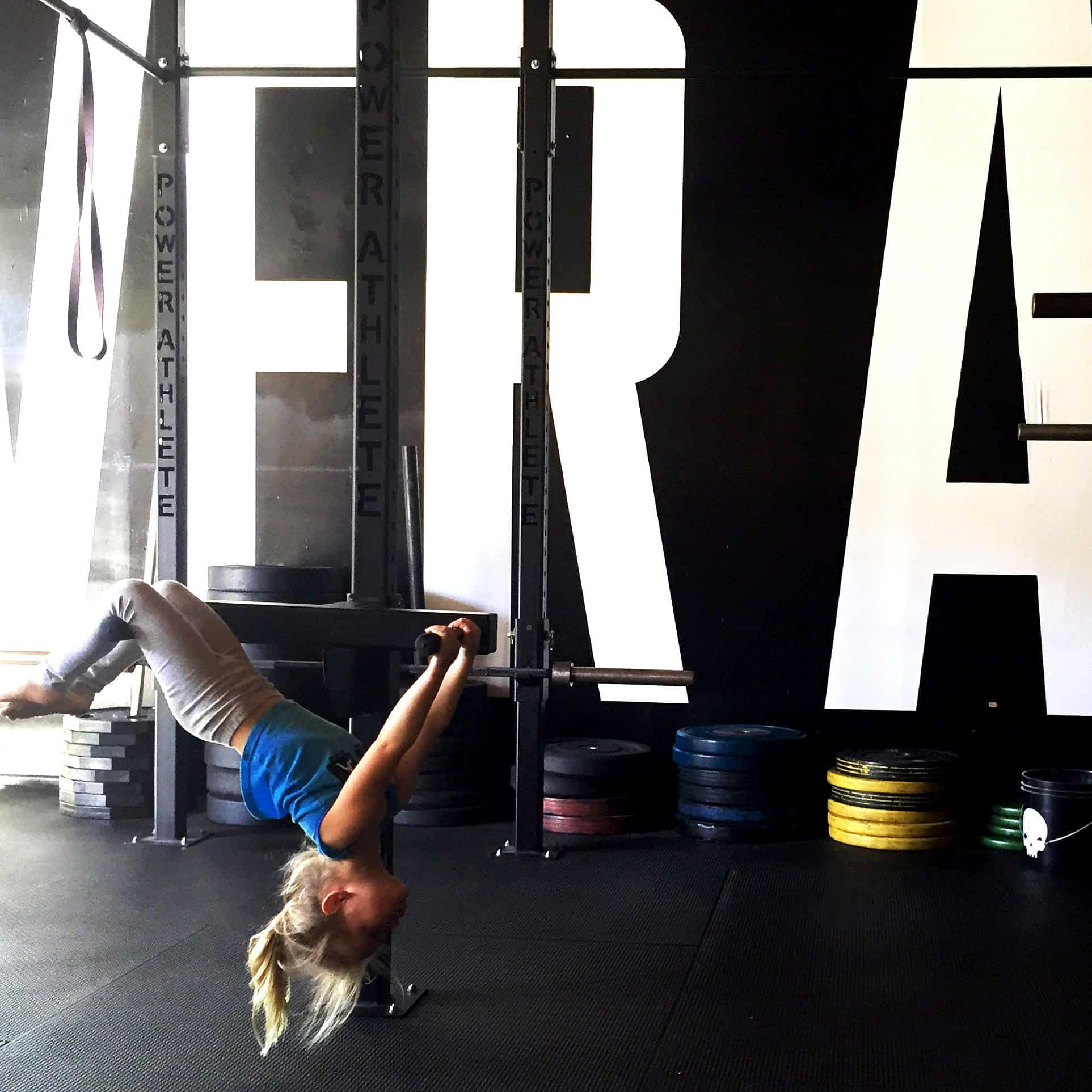 power_athlete_hang_upside_down
