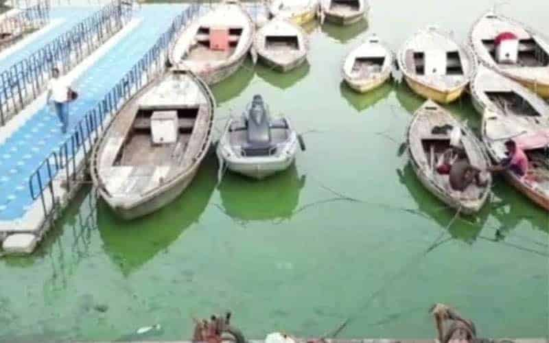 Suddenly Ganges Water turned Green at Varanasi in India