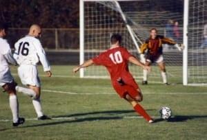 Football - फुटबॉल