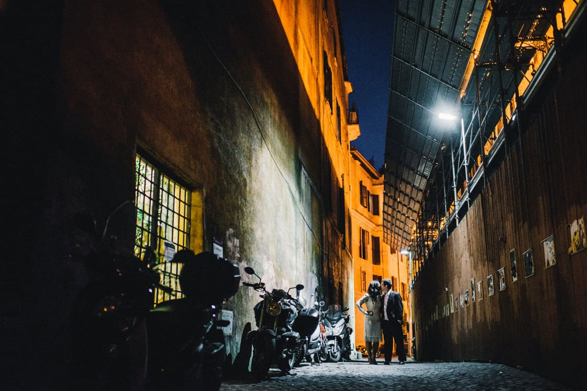 007b destination engagement photos in rome italy at night