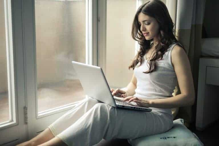 What Makes a Great Online Dating Profile?