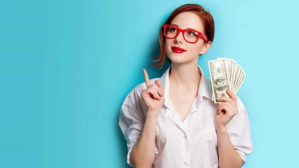 whats your budget - girl holding money