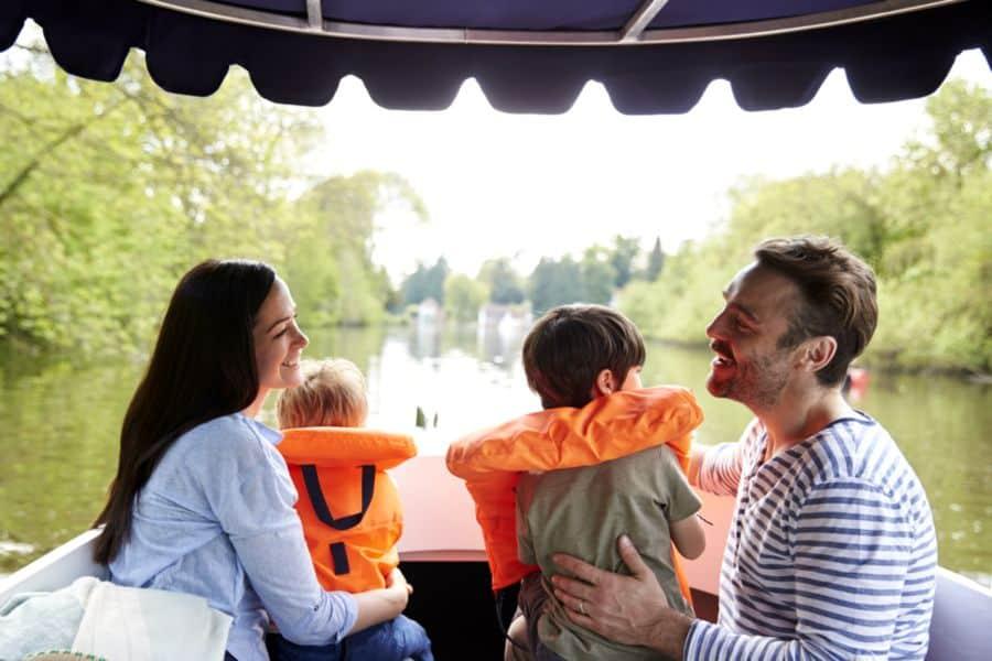 balade en bateau en famille