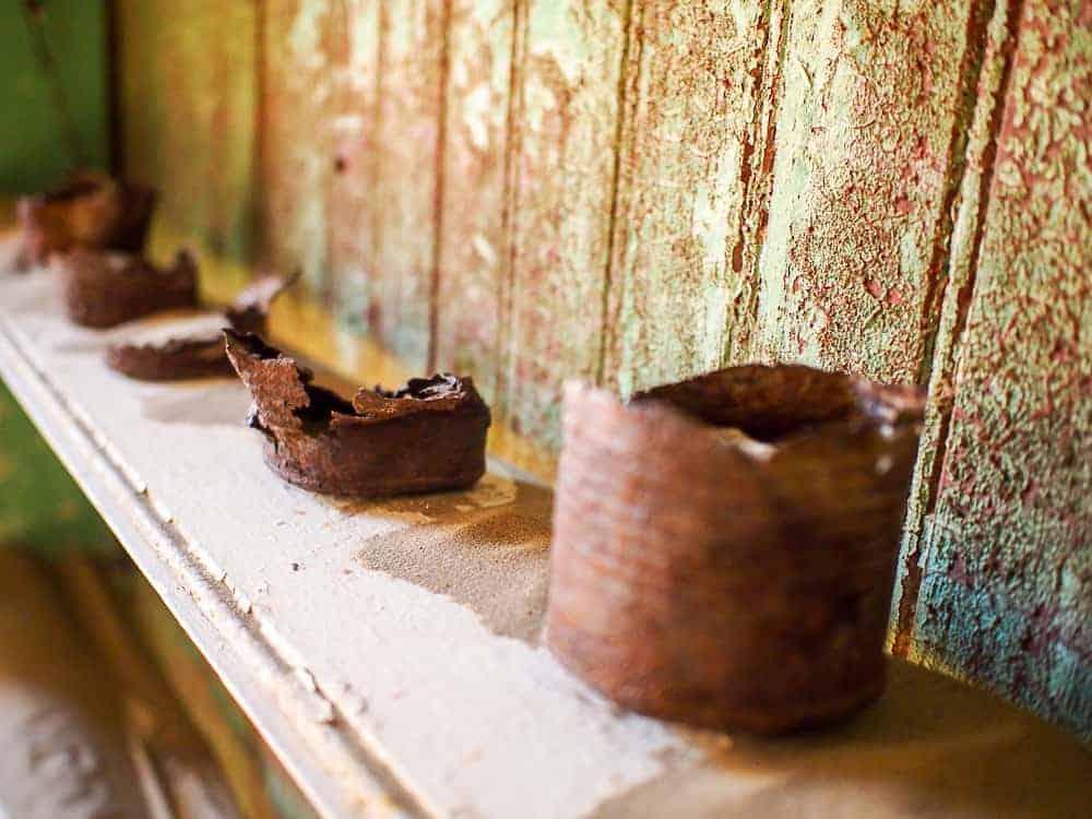 Rusted cans, Kolmanskop