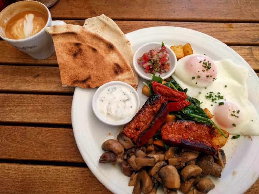 Breakfast at the Bristolian