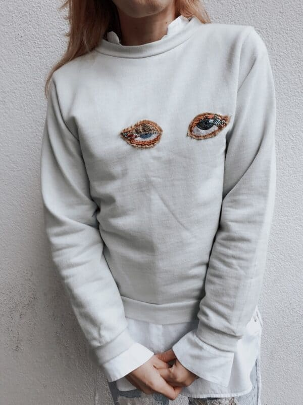 Sweater Hand Embroidery - Organic - Light Blue - Look