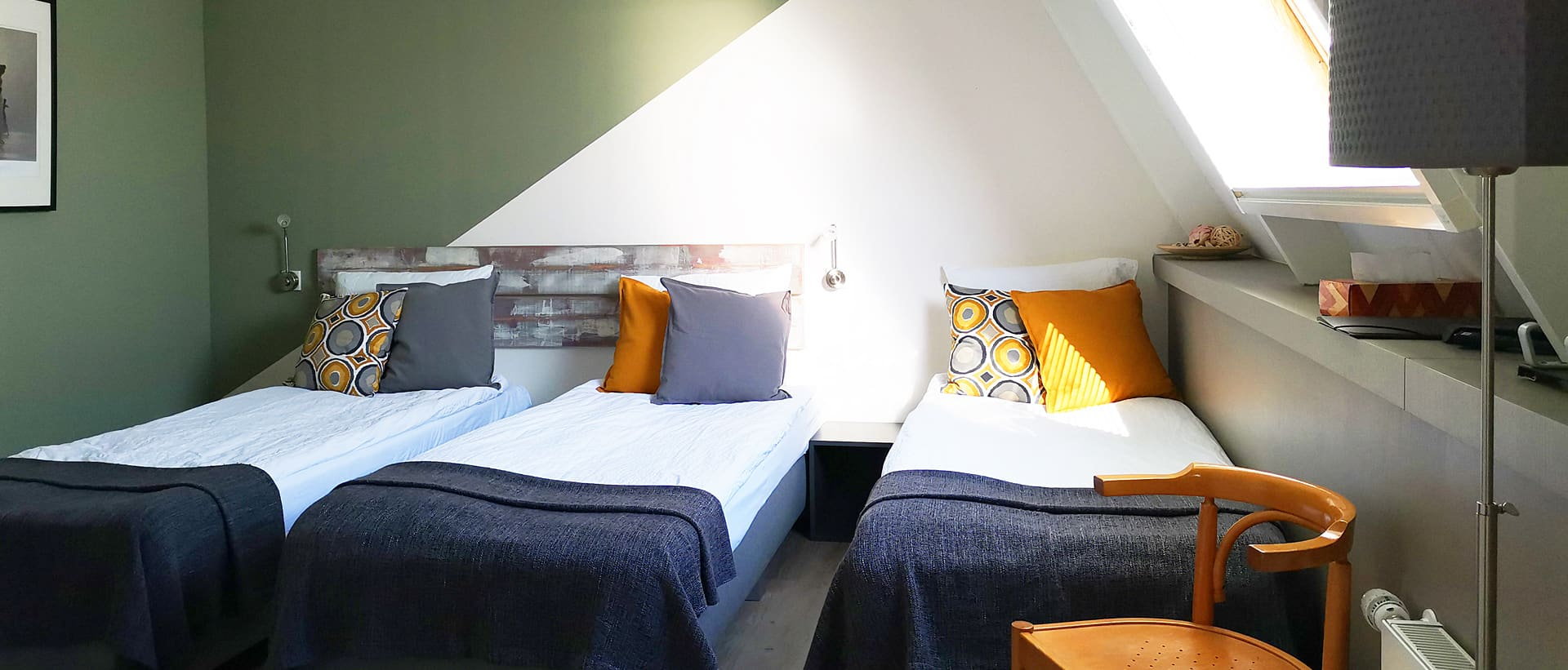 B&B triple room equipped with sanitary facilities