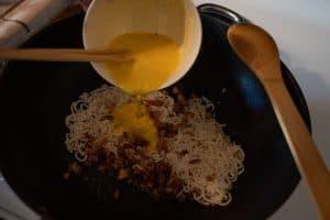 pour sauce over spaghetti