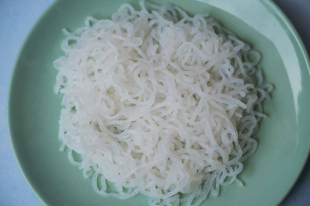 House Foods Traditional Shirataki Noodles on plate