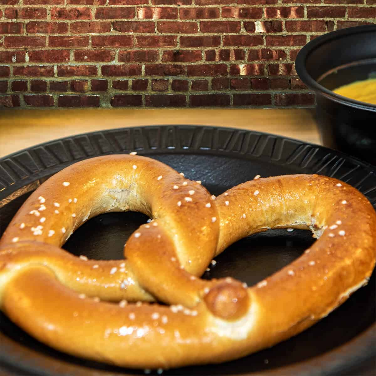 Hot pretzel salted with cheese