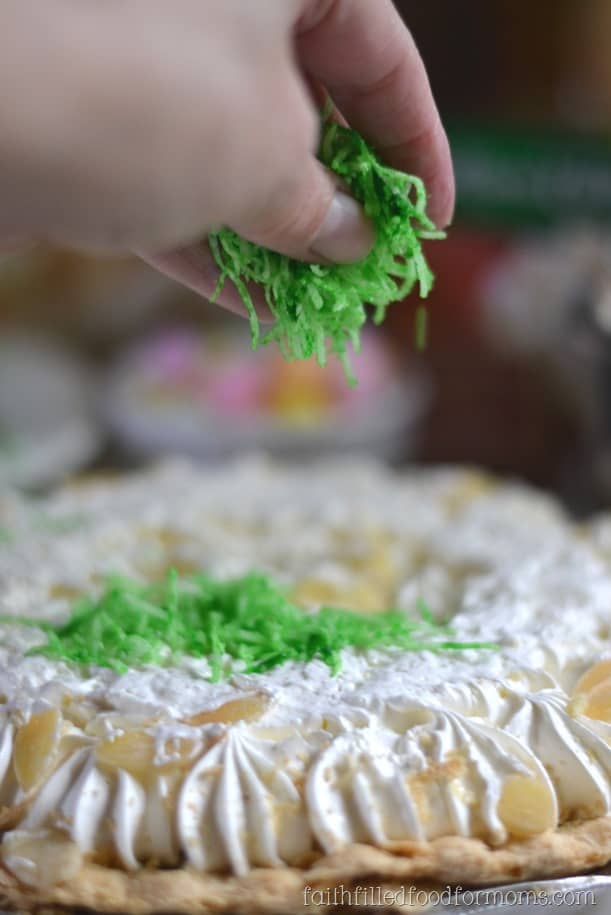 Easy Easter Pie Decorations