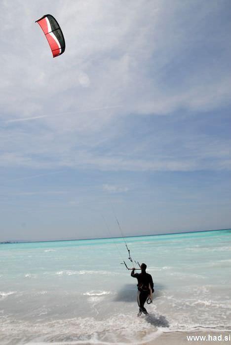 rosignano-marittimo-kitesurfing-photos-03.jpg
