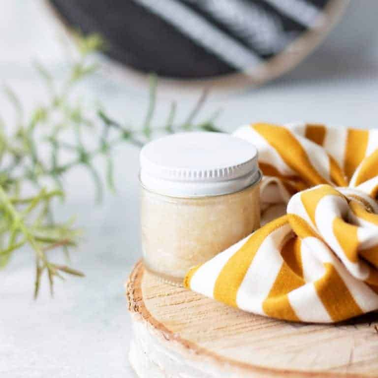 Remove Scalp Build Up with a ClarifyingDIY Scalp Scrub and Detox