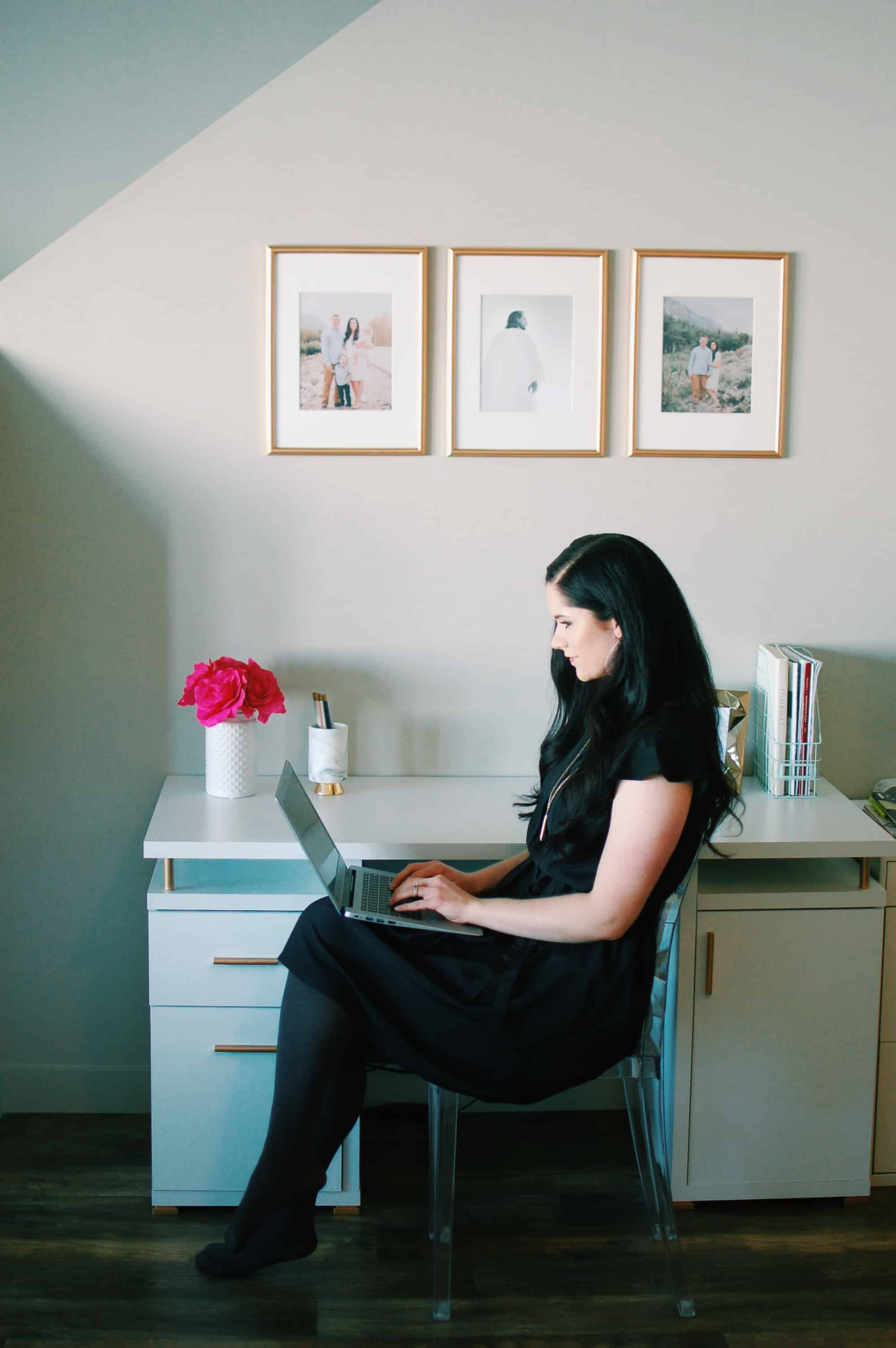 Woman answers the question, can you make money blogging