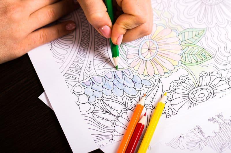 Coloriez les mandalas de l'arbre de vie avec vos enfants