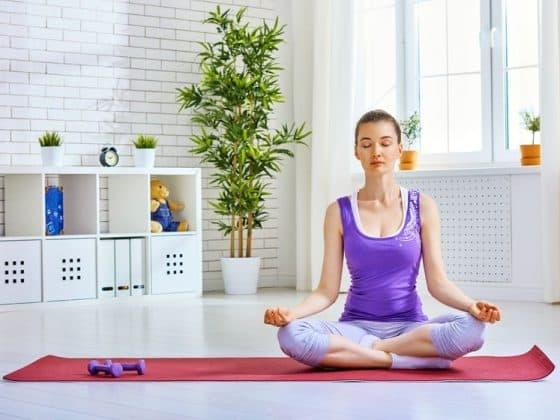 Les 5 erreurs les plus fréquentes que nous faisons lorsque nous pratiquons le yoga à la maison