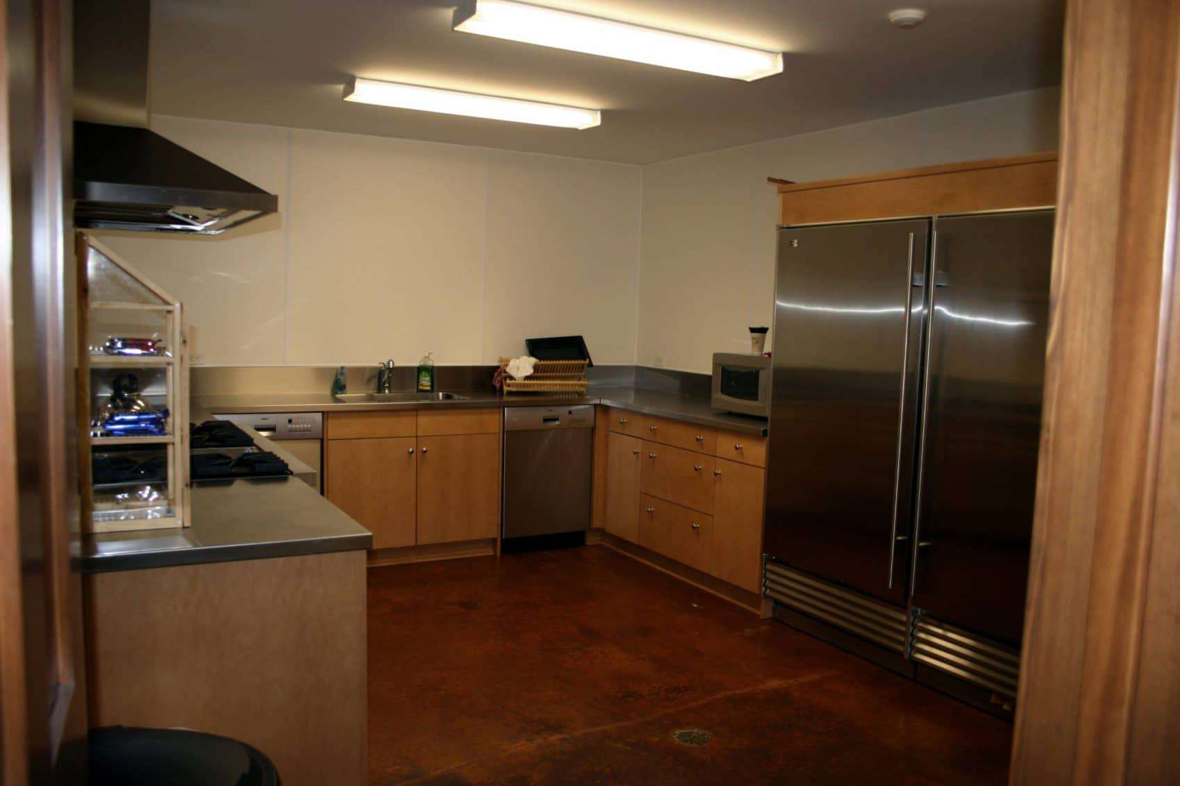 clubhouse catering kitchen