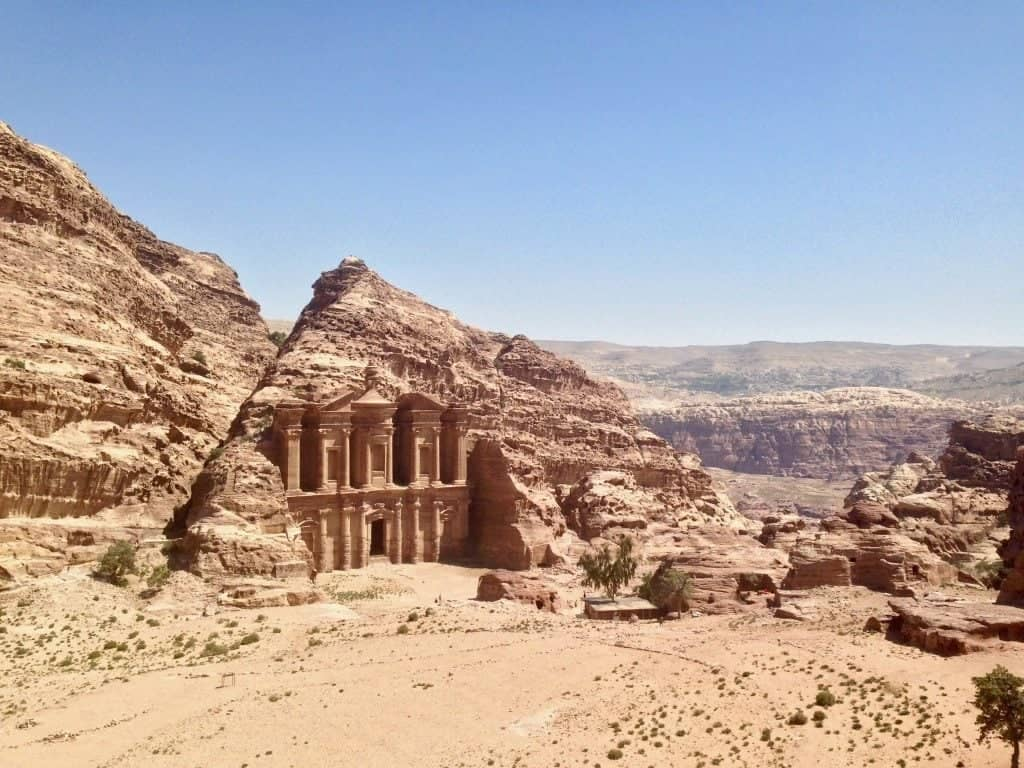 Il Monastero di Petra visto dall'alto