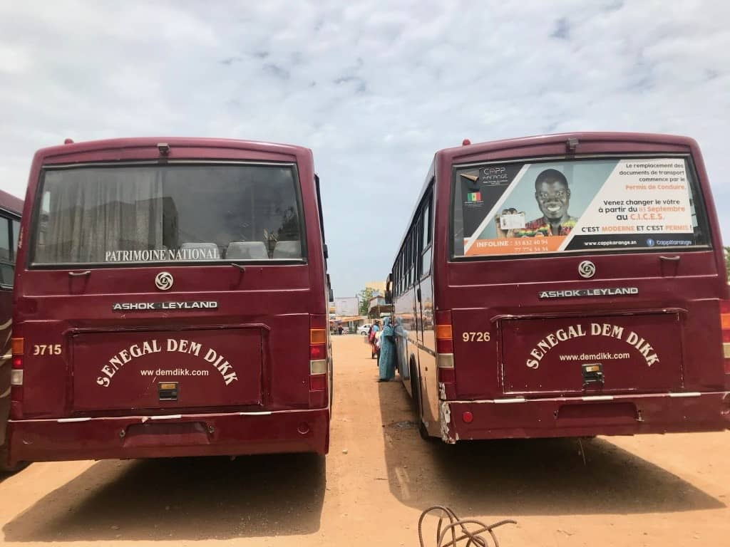 Due autobus senegal dem dikk