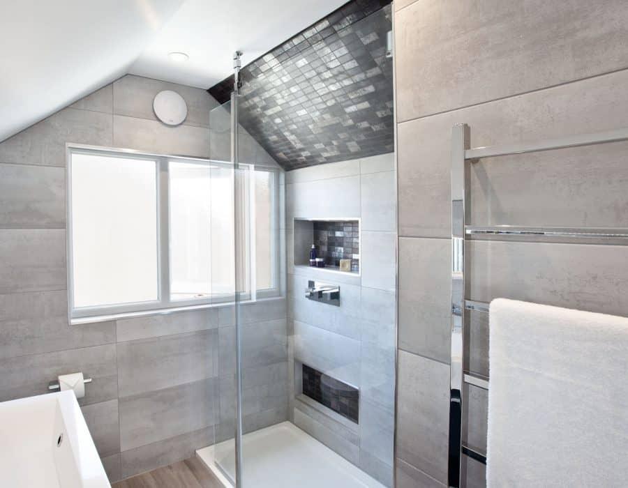 Image: Loft ensuite with large shower