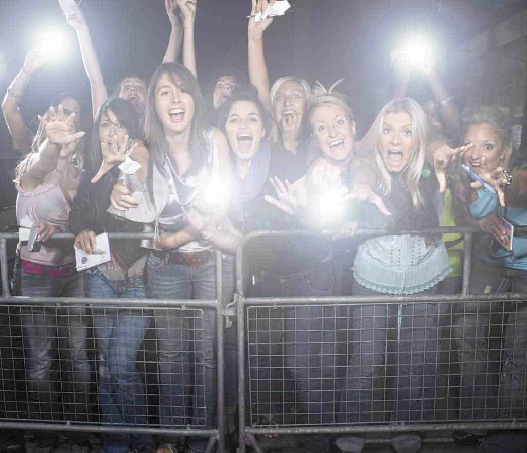 fans, concert, party, girls