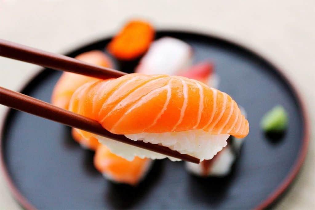 sushi-e-vinho-branco-1024x683.jpg