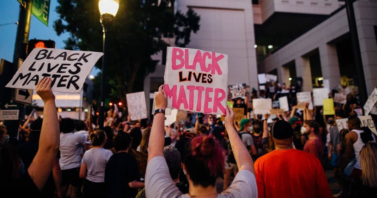 7 Ways Protestors Showed Support for the Black American Community
