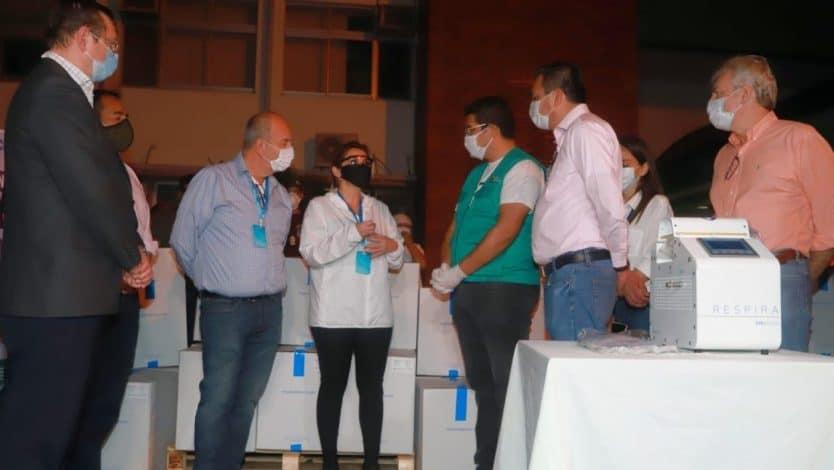Presidenta Áñez recibe 170 respiradores adquiridos por el Gobierno y  entrega 30 a Santa Cruz - La Palabra del Beni