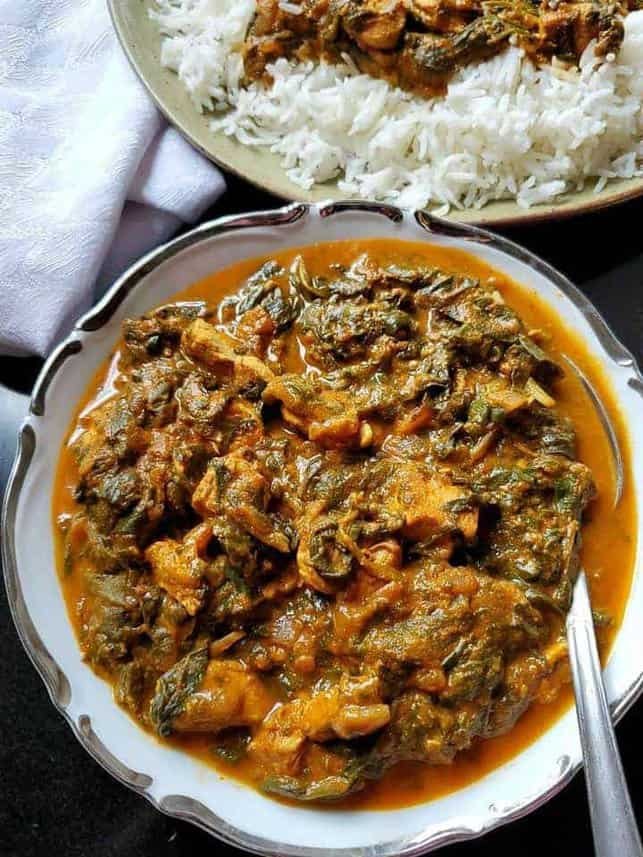 CHICKEN AND SPINACH CURRY {CHICKEN SAAG}