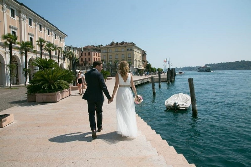 Who pays for italian wedding