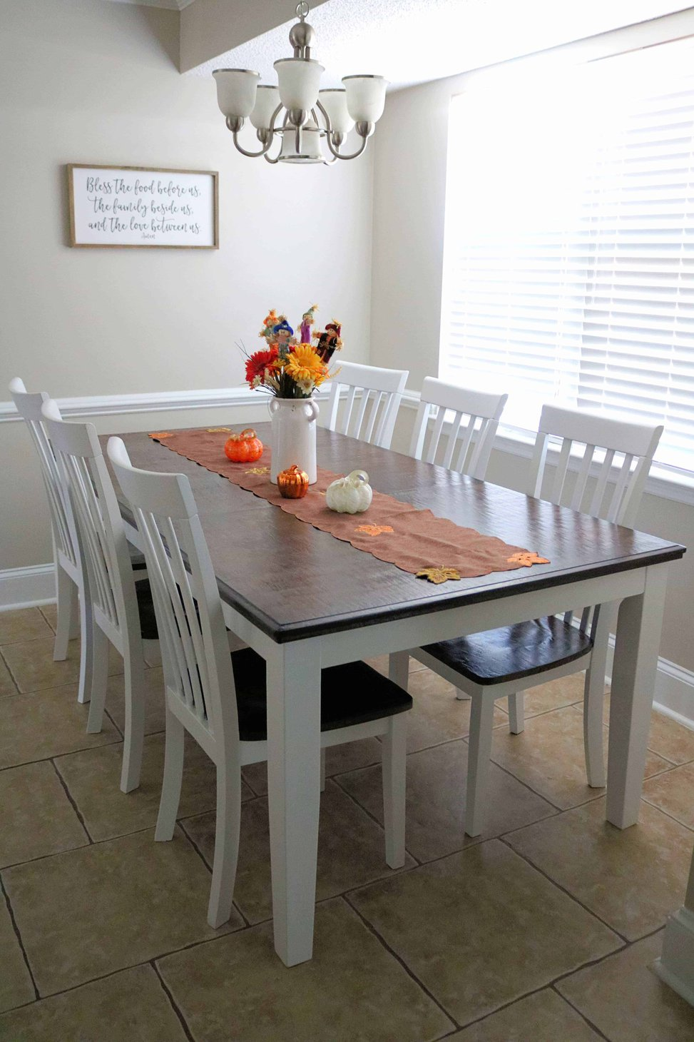 Chalk Paint Dining Table Makeover Diy, Painting A Dining Room Table And Chairs