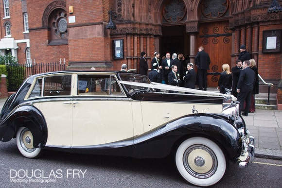 Wedding car photographed in front of Synagogue
