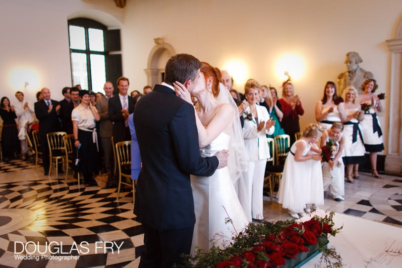Wedding Photographer Queens House - Greenwich - Kiss